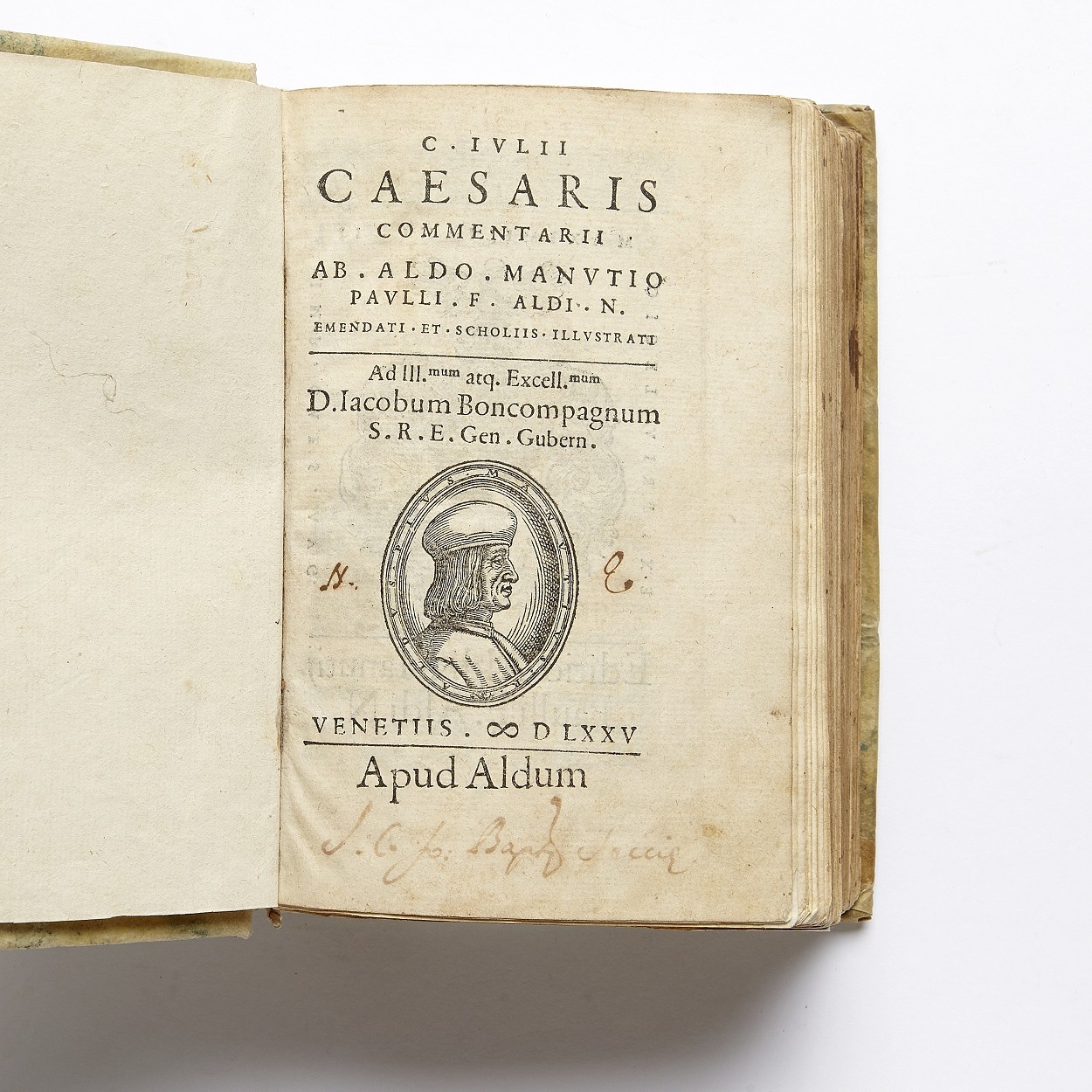 Octavo edition of Caesar Commentarii Venice 1575