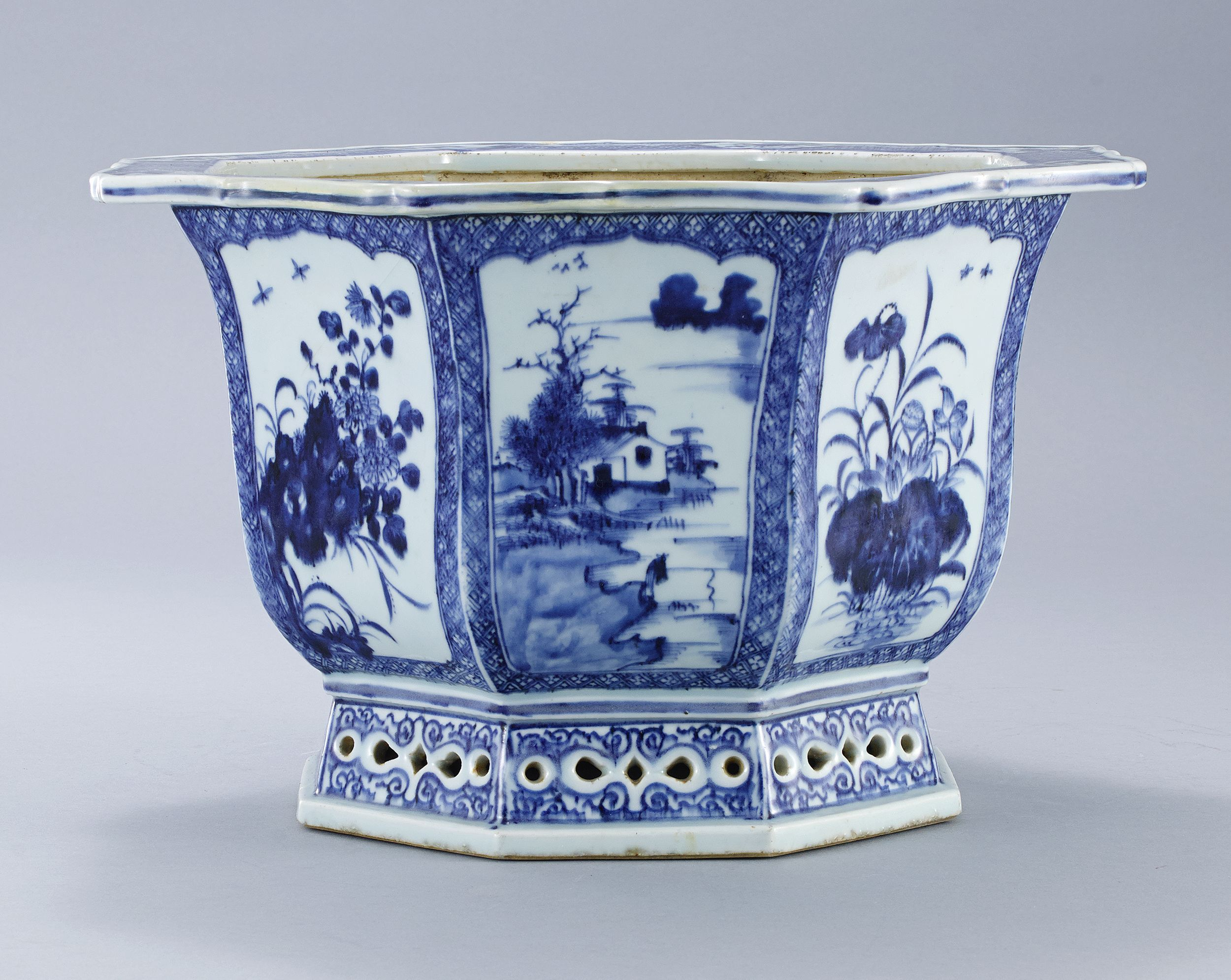 An Octagonal Blue and White Jardinière