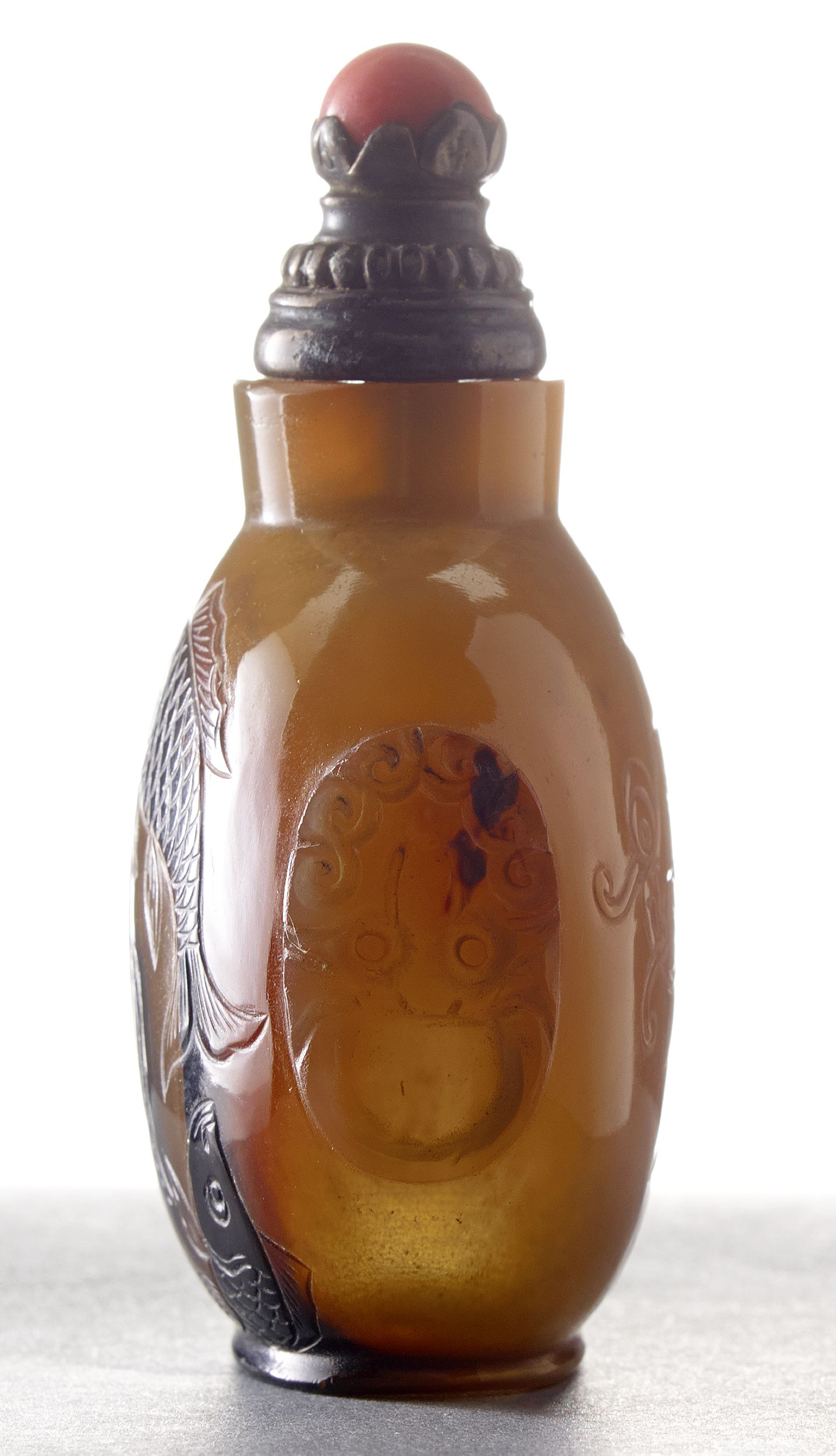 A Carved Agate Snuff Bottle