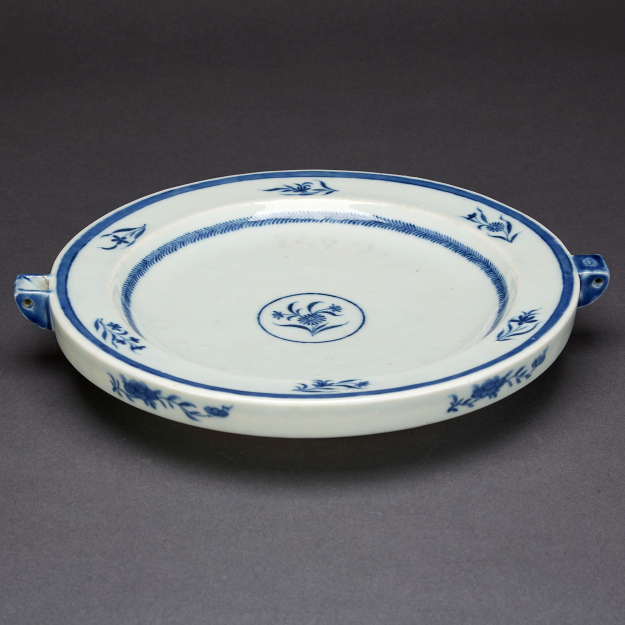 A Blue and White Hot Water Dish