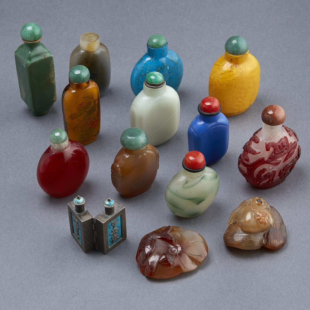 A Group of 12 Snuff Bottles and Two Agate Objects