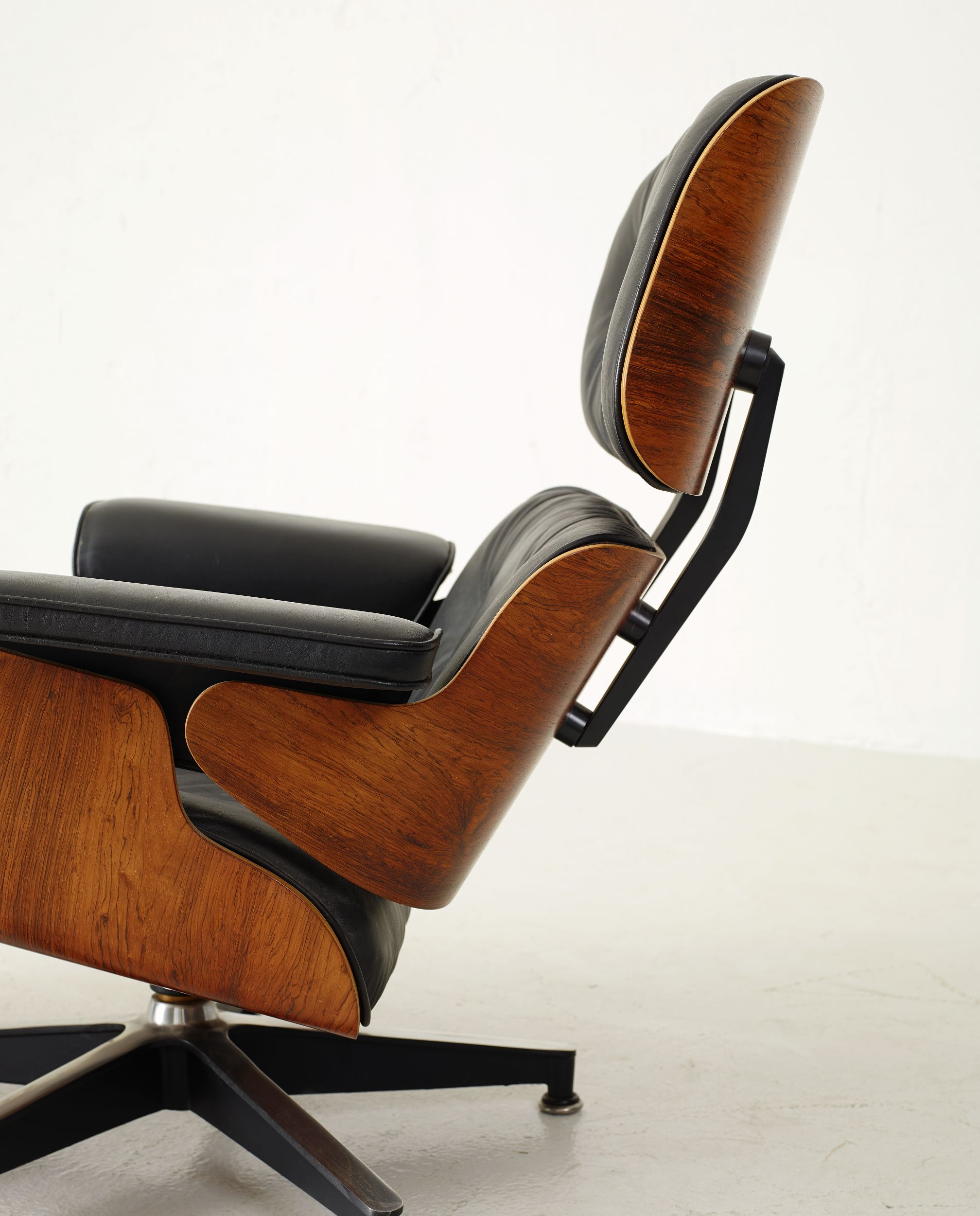 "Charles & Ray Eames, ""Lounge chair and Ottoman"""