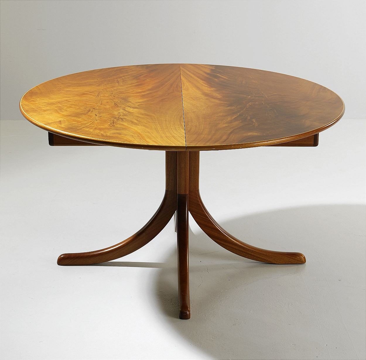 Josef Frank, a large dining table, Svenskt Tenn