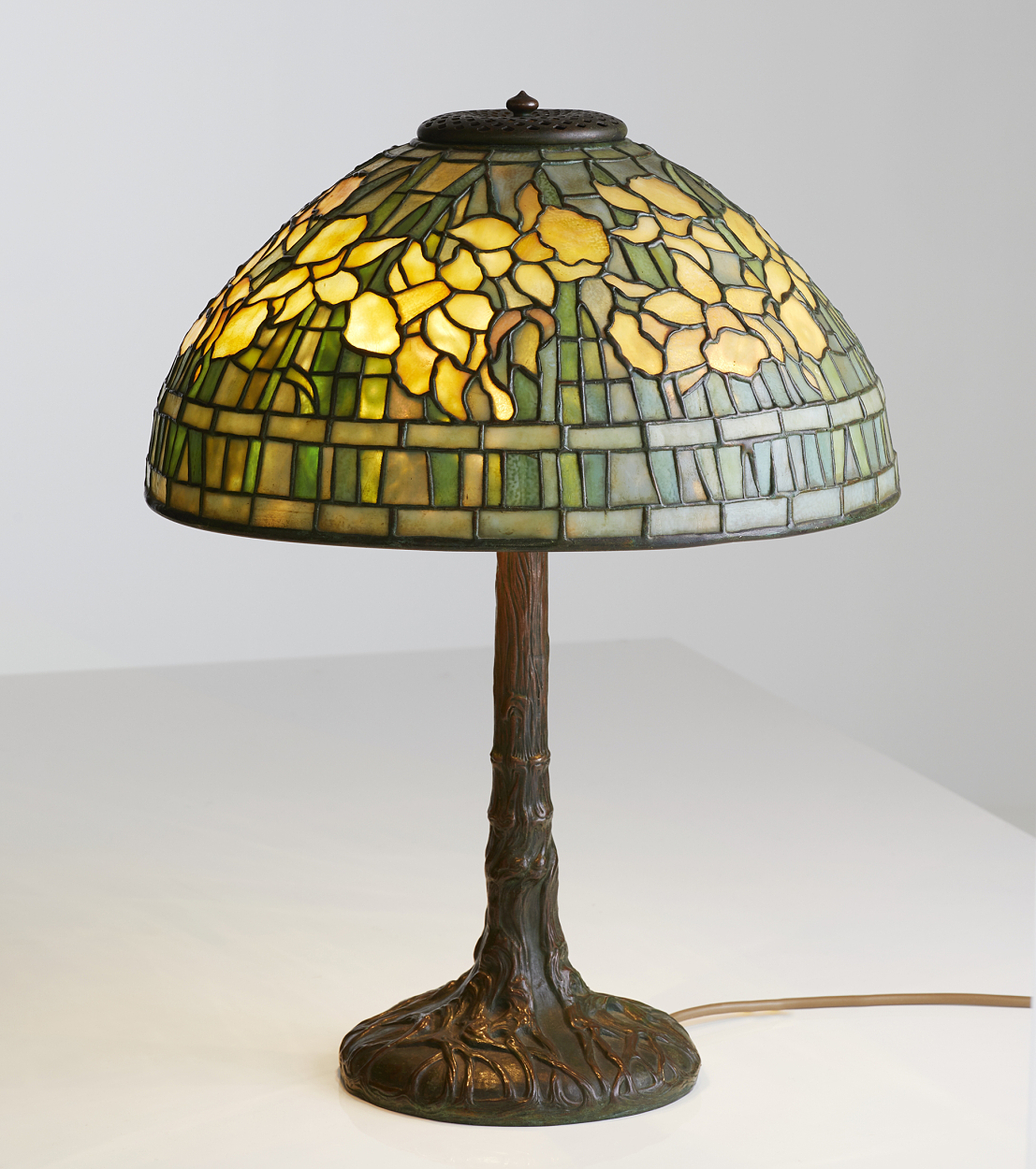 "Louis Comfort Tiffany, ""Daffodils"", bordslampa"