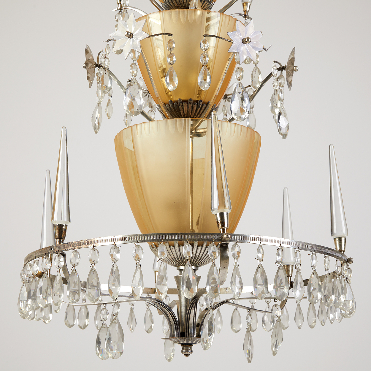 Elis Bergh, attributed to, a pair of chandeliers